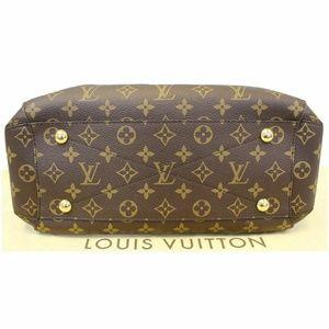 Louis Vuitton Bags - LOUIS VUITTON Montaigne MM Monogram Shoulder Bag